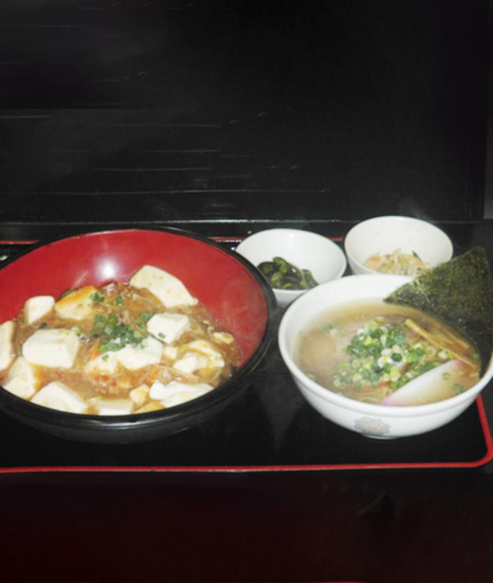 麻婆丼とミニラーメン(醤油 or ゴマみそ)