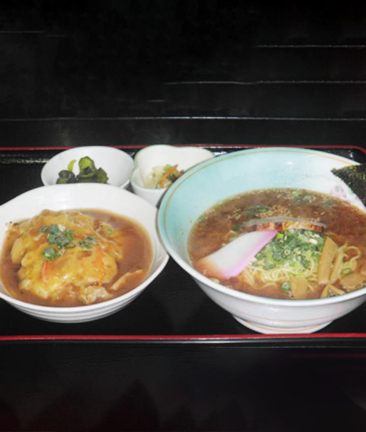 ミニ天津飯とラーメン(醤油 or ゴマみそ)