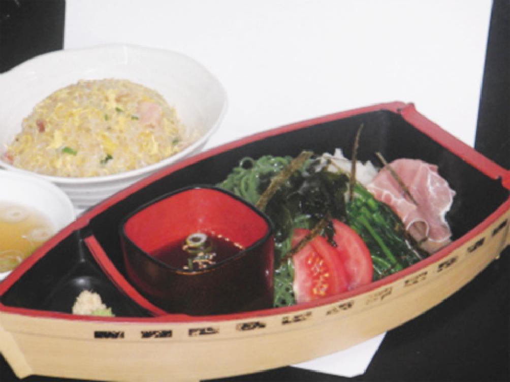 翡翠おろしつけ麺セットの写真